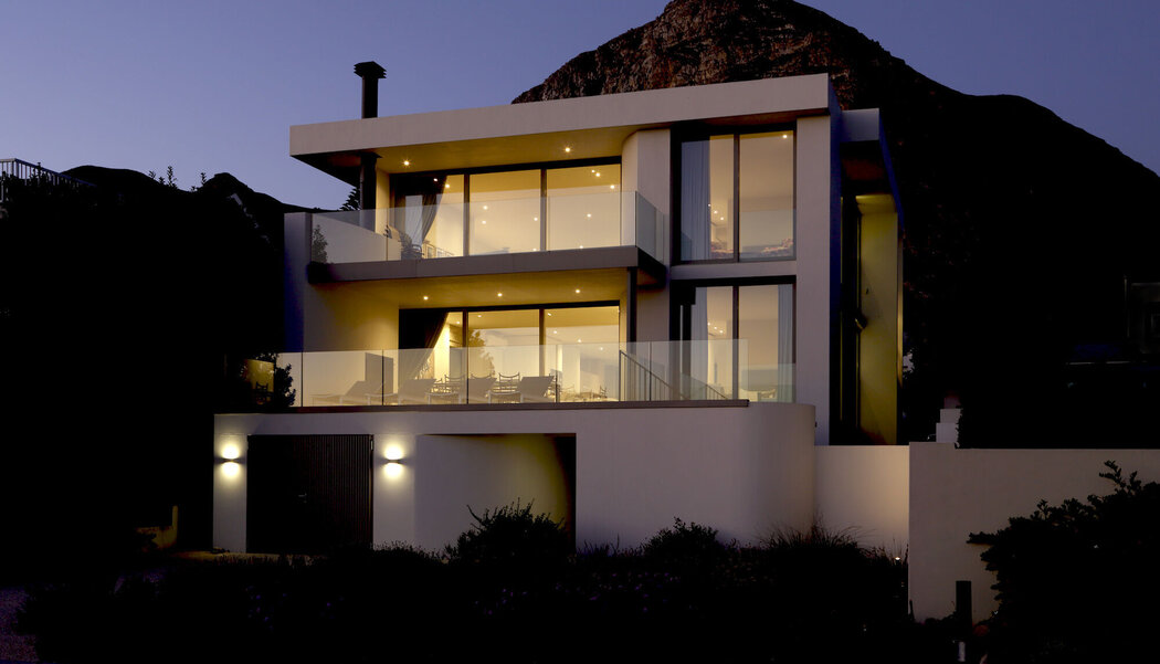 CS 68 Windows and CP 130 (-LS) Sliding Systems - House House Hermanus located in South-Africa