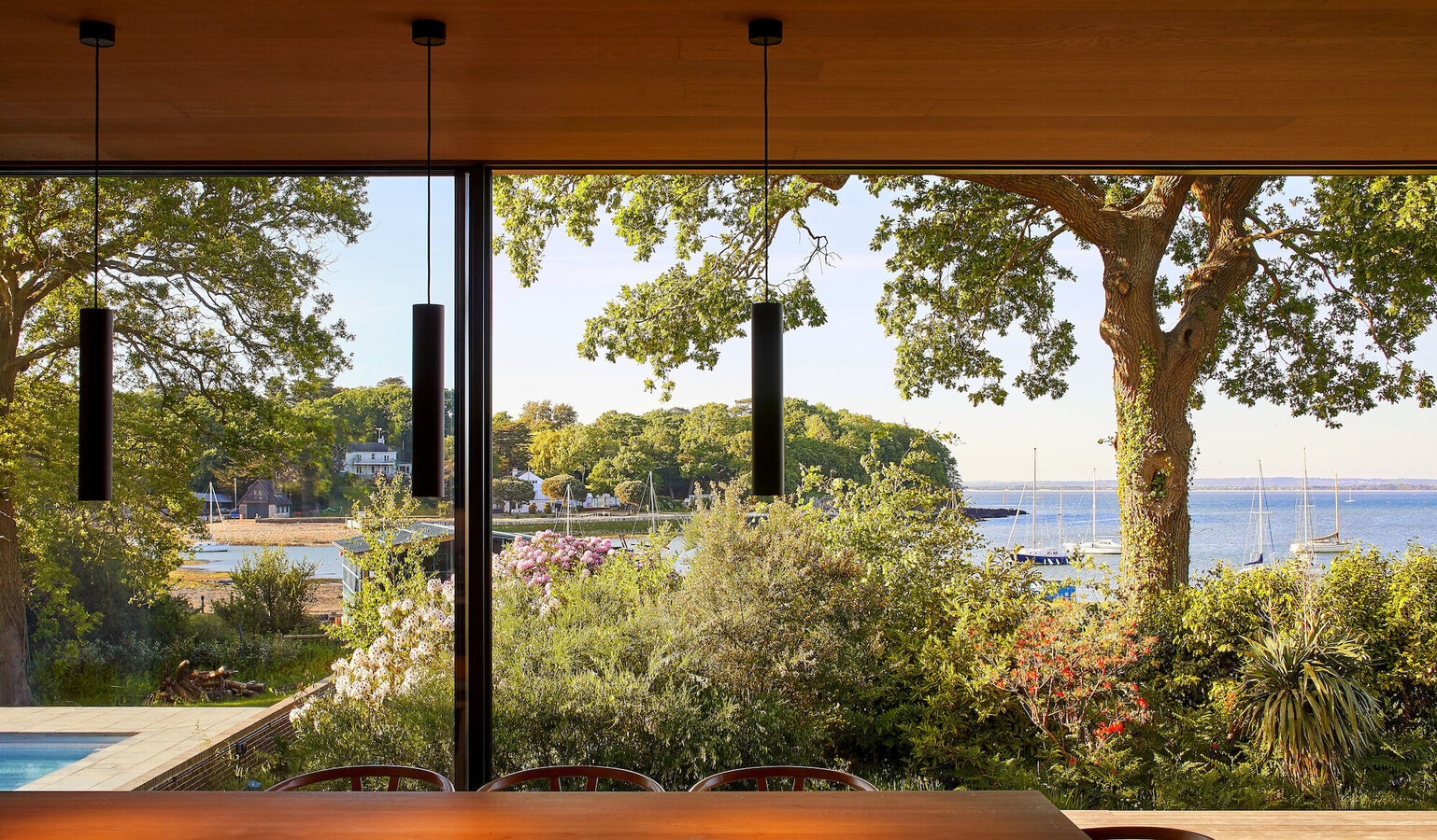Hi-Finity Sliding Systems - House Island Rest located in Isle of Wight, United Kingdom